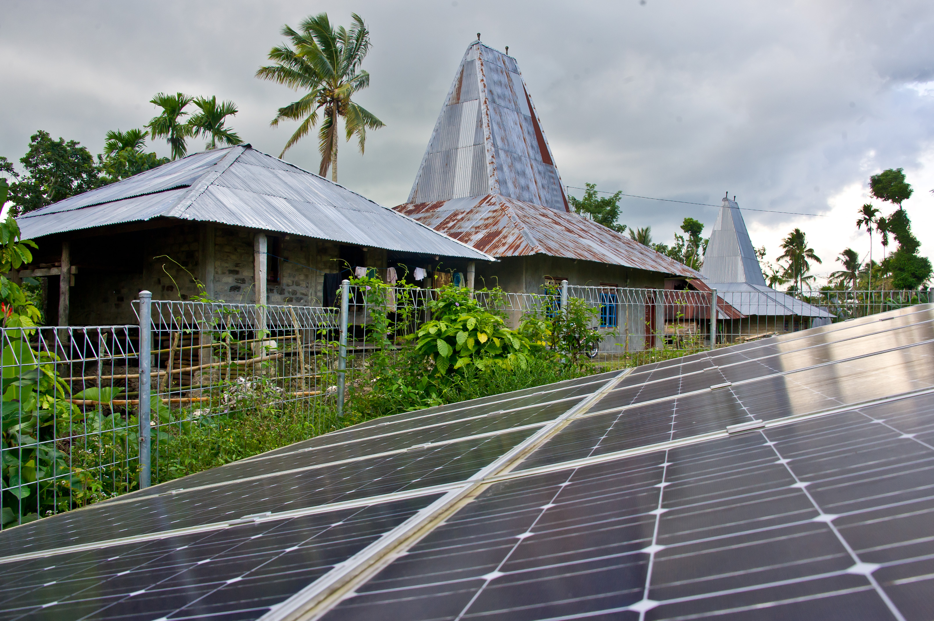 45274 001: Scaling Up Renewable Energy Access In Eastern Indonesia (sumba Iconic Island Initiative)